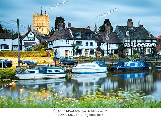 Night falls at Tewkesbury in Gloucestershire