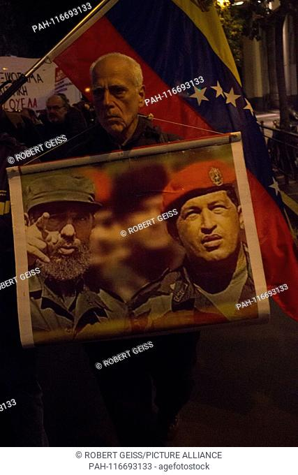 """Rally in support of Venezuelan government and Nicolás Maduro, Sign """"""""Fidel Castro and Hugo Chavez"""""""". 31.01.2019 