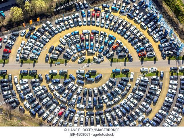 Parked cars, circular parking area, Hamm, Ruhr district, North Rhine-Westphalia, Germany