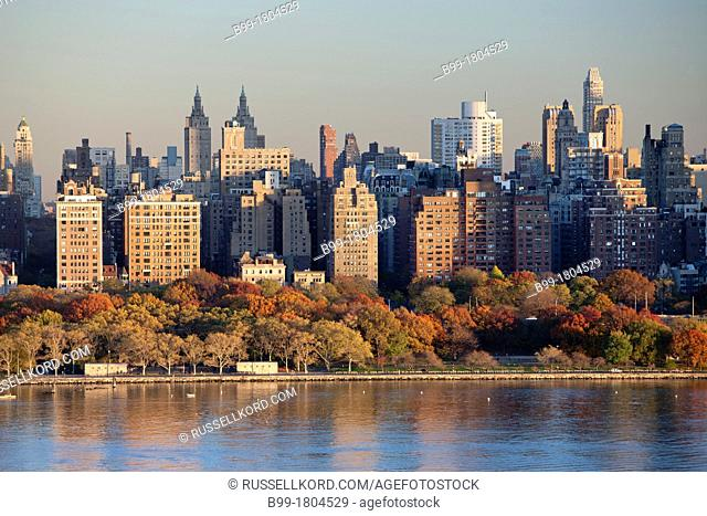 Upper Westside Skyline Hudson River Manhattan New York City USA