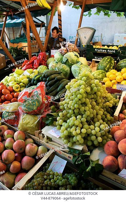Market, Omis. Dalmatia, Croatia