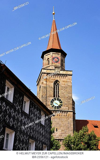 Michaeliskirche church, the oldest church in Fuerth, 15th century, a house built in the 17th century with a slate facade on the left, Kirchenplatz square 5
