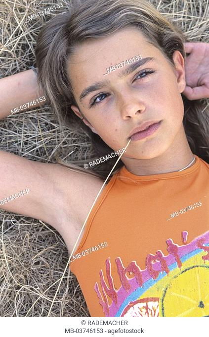 Teenager girls, hay, lie, thoughtfully, detail  Teenagers, girls, 12 years, stalk, straw, hay,, Mouth, thinks, however, thinks, thoughts, Feelings, emotion