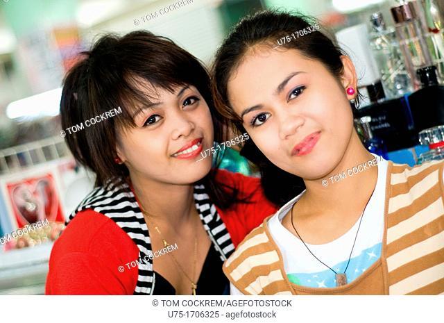 shop assistants, 138 mall, cebu city, philippines
