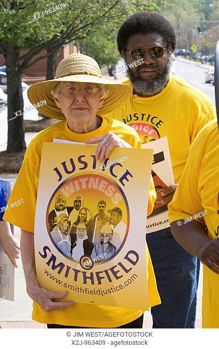 Raleigh, North Carolina - Union members and supporters picket a Harris Teeter supermarket, asking the chain to stop selling Smithfield Foods meat products  The...