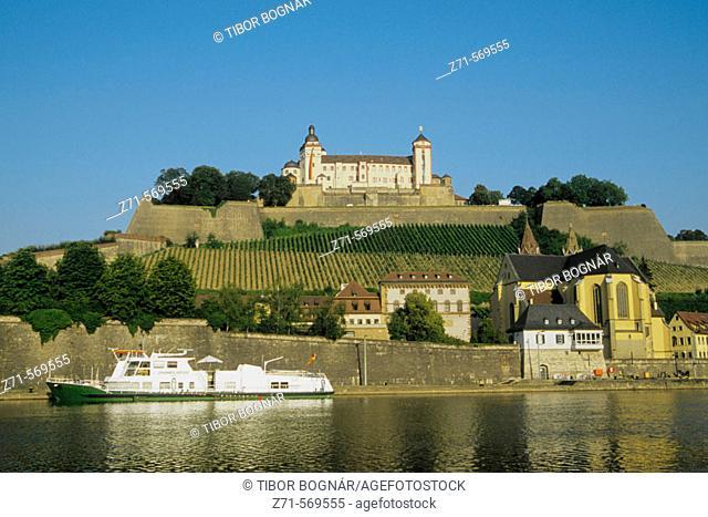 Germany, Bavaria, Würzburg, Marienberg Fortress, Main Rive