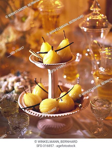 Spiced pears in white wine Not available in FR, Not available for exclusive usages