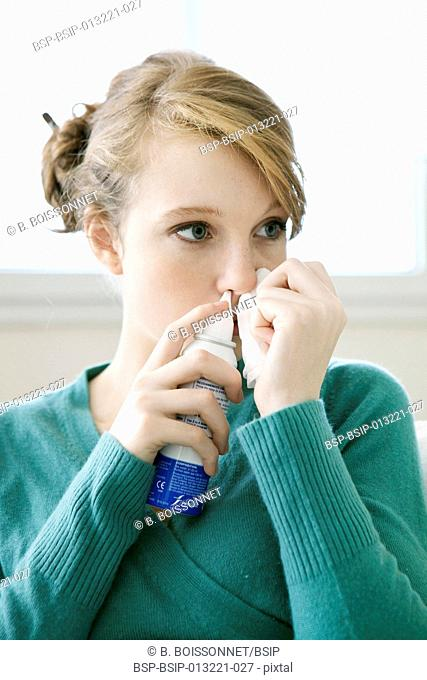 NOSE HYGIENE WOMAN