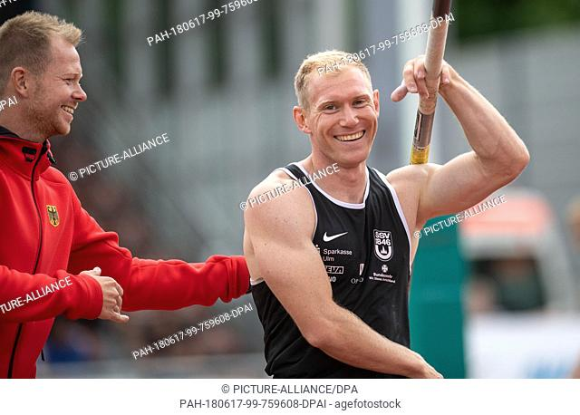 17 June 2018, Germany, Ratingen: Athletics: Mehrkampf-Meeting. Arthur Abele of Sweden in action during the pole vault of the decathlon