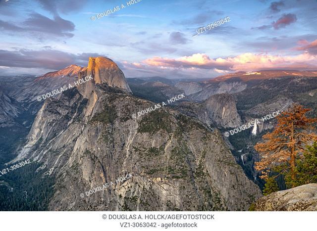 Spring Sunset on Half Dome, Yosemite NP, USA