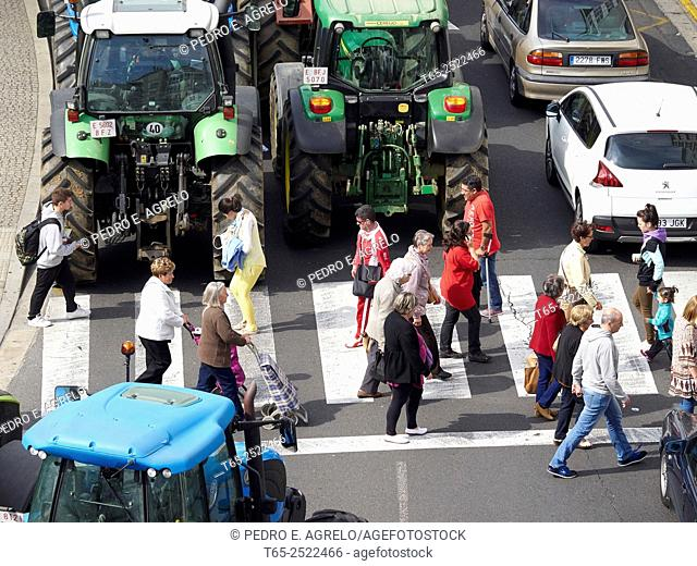 Lugo, strike the dairy sector. Galicia farmers mobilize their tractors to protest low milk prices, and large losses in the sector