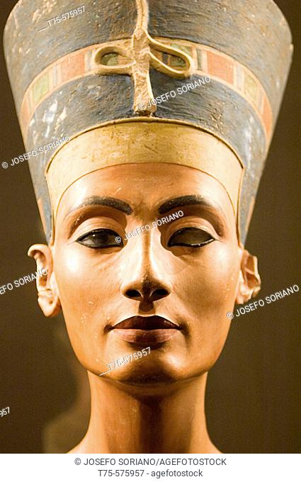 Europe, Germany, Berlin, Altes Museum, Bust of Queen Nefertiti