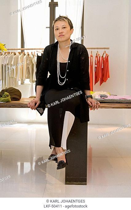 fashion designer Han Feng, Boutique, Label, chinese-american from New York, Modeetage, Vivienne Tam, Yohji Yamamoto, Three on the