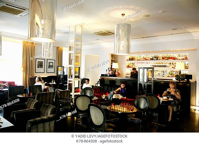 Sep 2008 - The upmarket Vogue Cafe, Moscow, Russia