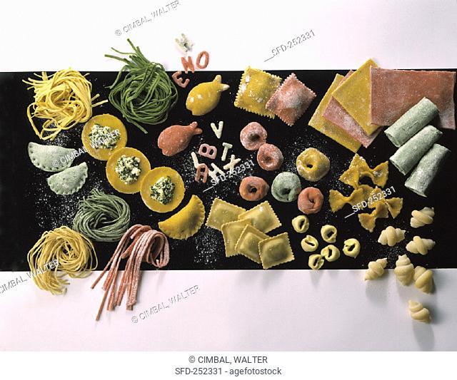 Various coloured pastas