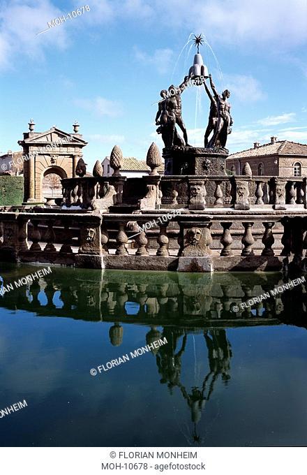 Fontana del Quadrato, Mittelteil mit Mohrenbrunnen