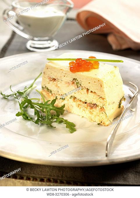 puding de salmon con salsa de queso fresco