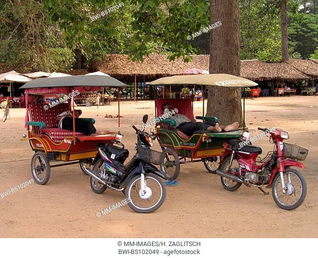 Angkor Thom, Tuktuks, Cambodia, Angkor