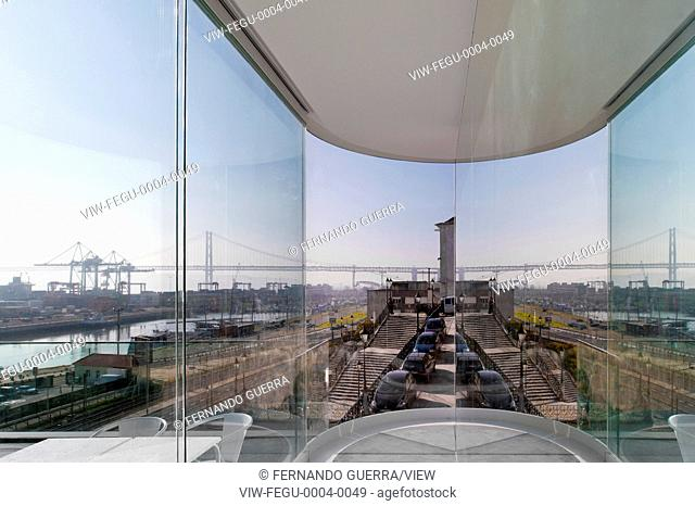 A panoramic promontory with views over the Tejo and framed by a set of buildings whose architectural heritage is of great intere