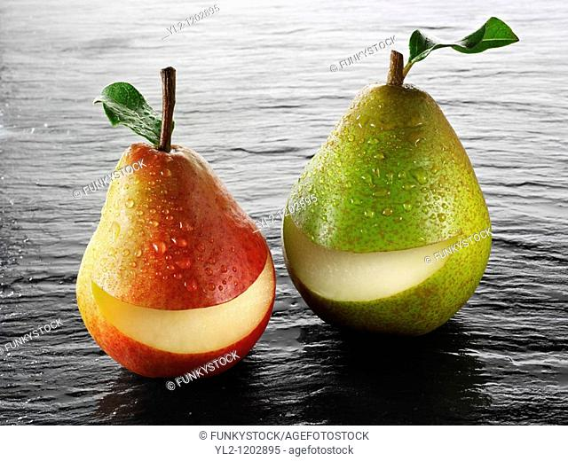 Fresh whole smile pears