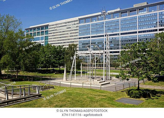 Jardin Atlantique, Gare Montparnasse, Paris, France