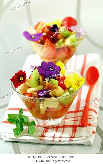 Fruit salad with quince and petals