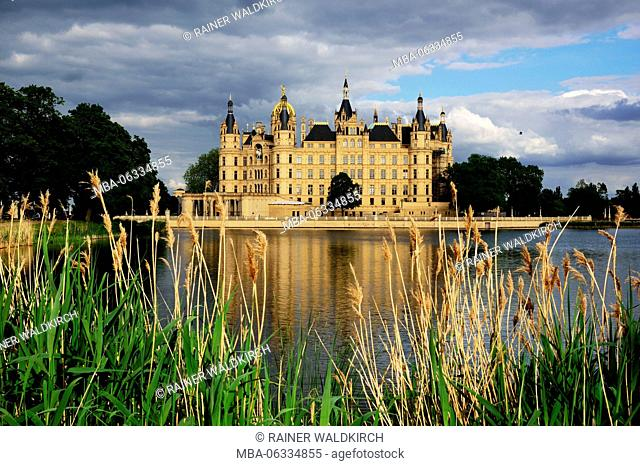 Europe, Germany, Mecklenburg-West Pomerania, Schwerin, castle Schwerin, builds from 1845 to 1857 in the style of the Romantic historicism