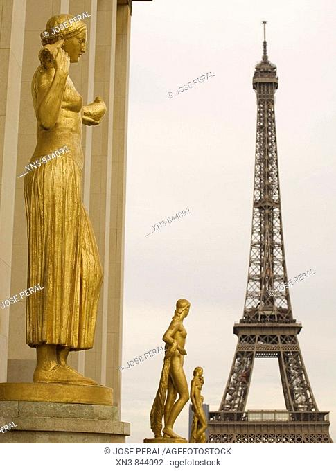 Statue and Eiffel tower, view from Palais Chaillot, Trocadéro, Paris  France