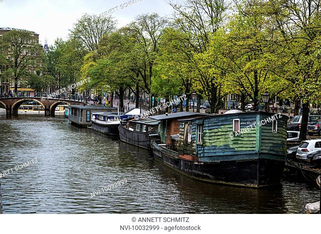 Gracht in Amsterdam, Holland, Netherlands