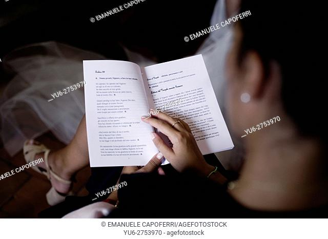 Guest reading sheet to celebrate marriage