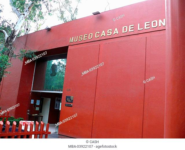Mexico, Mexico-city, Coyoacan, Museo-Casa-de-Leon-Trotsky, entrance, house, museum-buildings, culture, living spaces, exhibition, exile, Russian, revolutionary