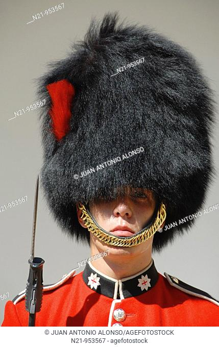A Coldstream guard of the Coldstream Regiment of Foot Guards. Jewel House, Tower of London. London, Great Britain, Europe