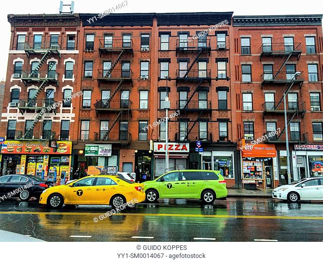 New York, USA. Building and traffic on Longwood Avenue, The Bronx