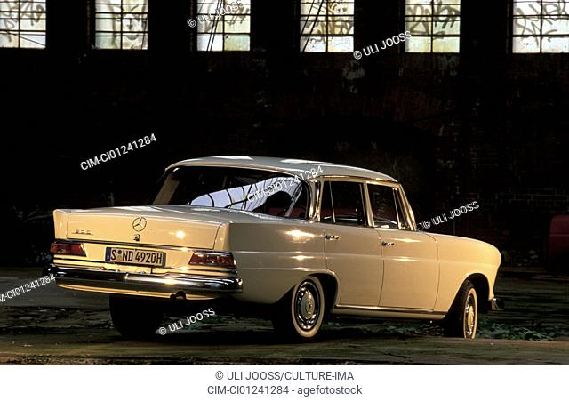 Car, Mercedes Benz 200 tailfin, tail fin, sedan, vintage car, white, model range 1961-1968, model year 1966, 1960s, sixties