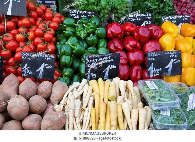 Vegetable stand, Naschmarkt, Vienna, Austria, Europe