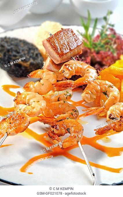 Tuna and prawn brochette