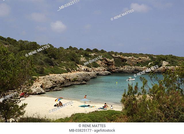 Spain, island Majorca, Cala de Sa Nou,  Coast, swimmers,   Mediterranean island, , coast region, bay, bath bay, beach, beach, tourists, sunbath, suns