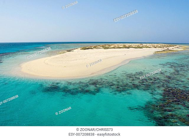 lovely atoll qulaan islands in the red sea