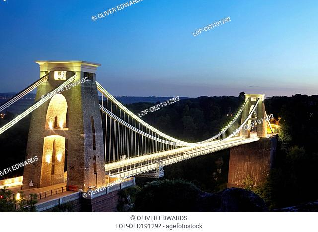 England, Bristol, Clifton. The Clifton Suspension Bridge spanning the Avon Gorge at night. The bridge was designed by Isambard Kingdom Brunel and completed in...