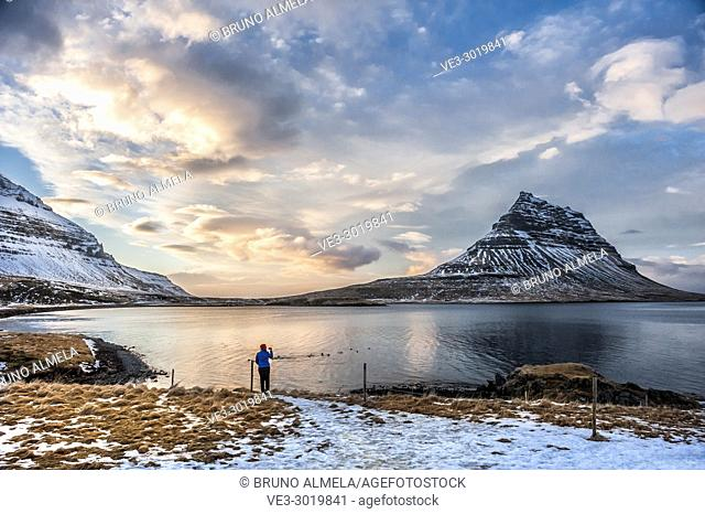 Icelandic sunset in Kirkjufell Mountain near Grundarfjörður, Snæfellsnes peninsula (region of Vesturland, Iceland)