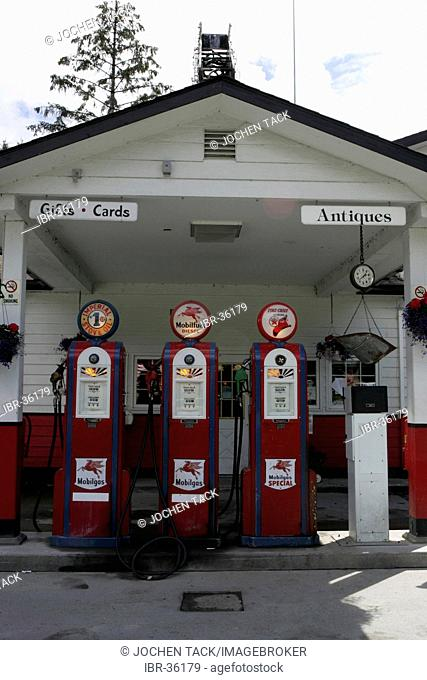 USA, United States of America. Gustavus : Historical Gas station, with old gas pumps