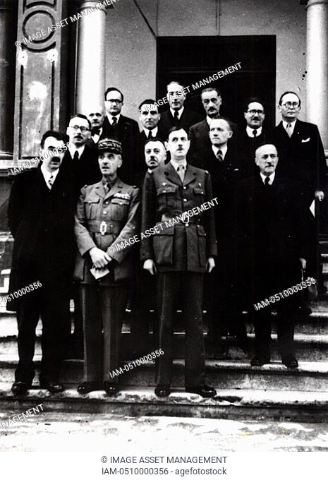 DE GAULLE, Charles1890-1970 French General and first President of The Fifth Republic  General de Gaulle with members of the Government in exile in Algeria in...