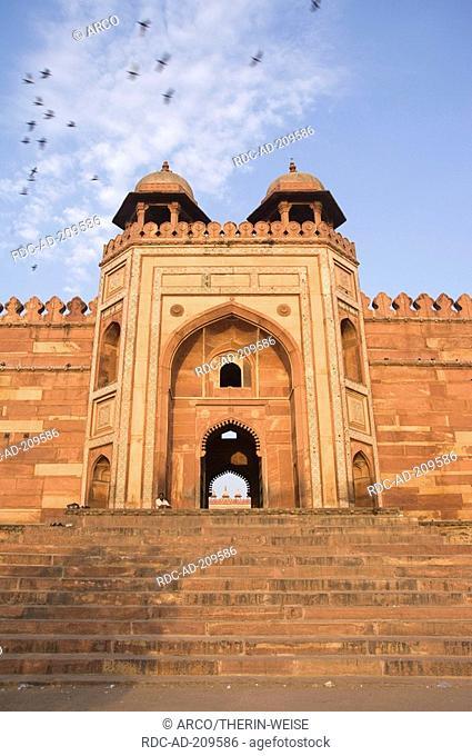 Gate of Victory 'Buland Darwaza', Jami Masjid Mosque, Fatehpur Sikri, Uttar Pradesh, India, Dargah Mosque, built 1569-1585 at the order of emperor Akbar