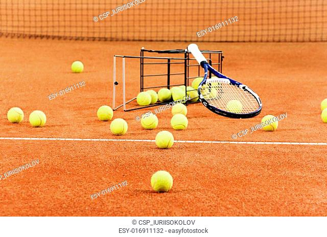 Training tennis equipment