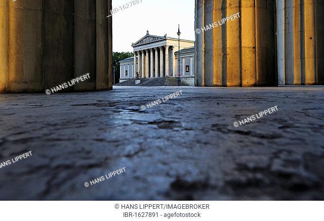 Looking through the Propylaea from Koenigsplatz Square towards the Glyptotek, State Collection of Greek and Roman Antiquities, Munich, Upper Bavaria, Bavaria