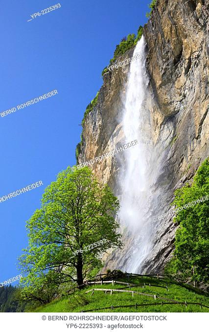 Staubbach Falls, Lauterbrunnen, Bernese Oberland, Switzerland