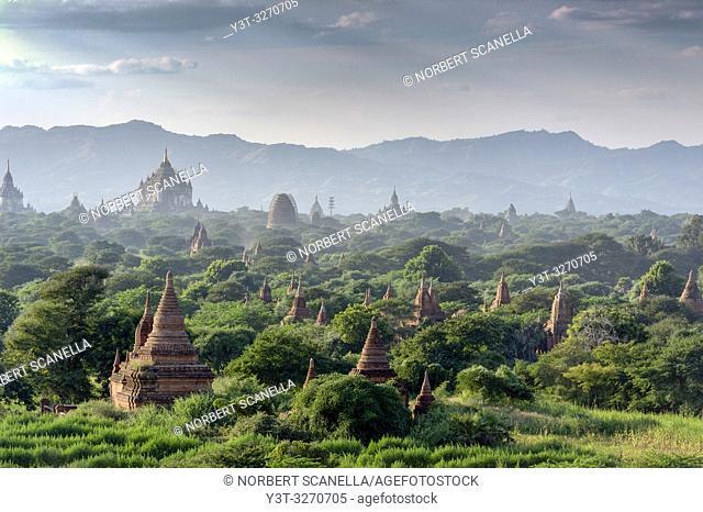 Myanmar (ex Birmanie). Bagan, Mandalay region. Pagodas in the plain of Bagan