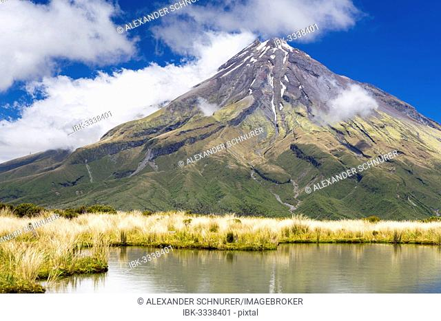 Mountain lake with the Mount Taranaki volcano, Pouakai Range, Egmont National Park, Taranaki Region, New Zealand