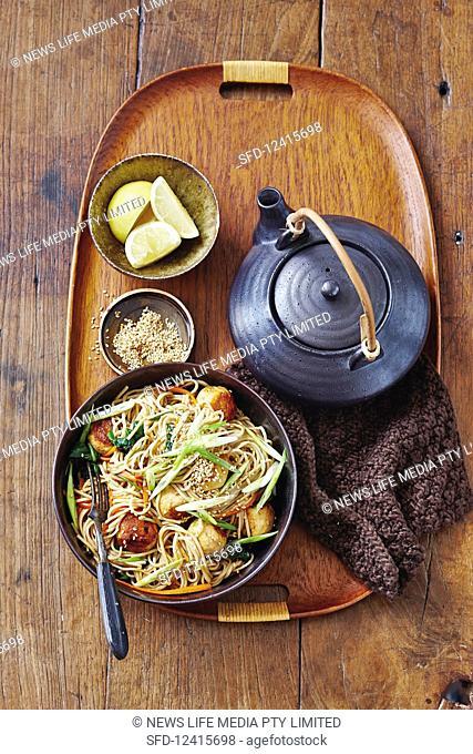 Fried soba noodles with teriyaki turkey balls (Asia)