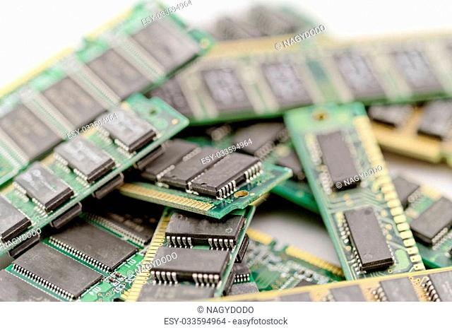 Many different computer memory modules (RAM, SD, DDR, EPROM)